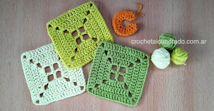 cuadrado al crochet compacto con centro calado