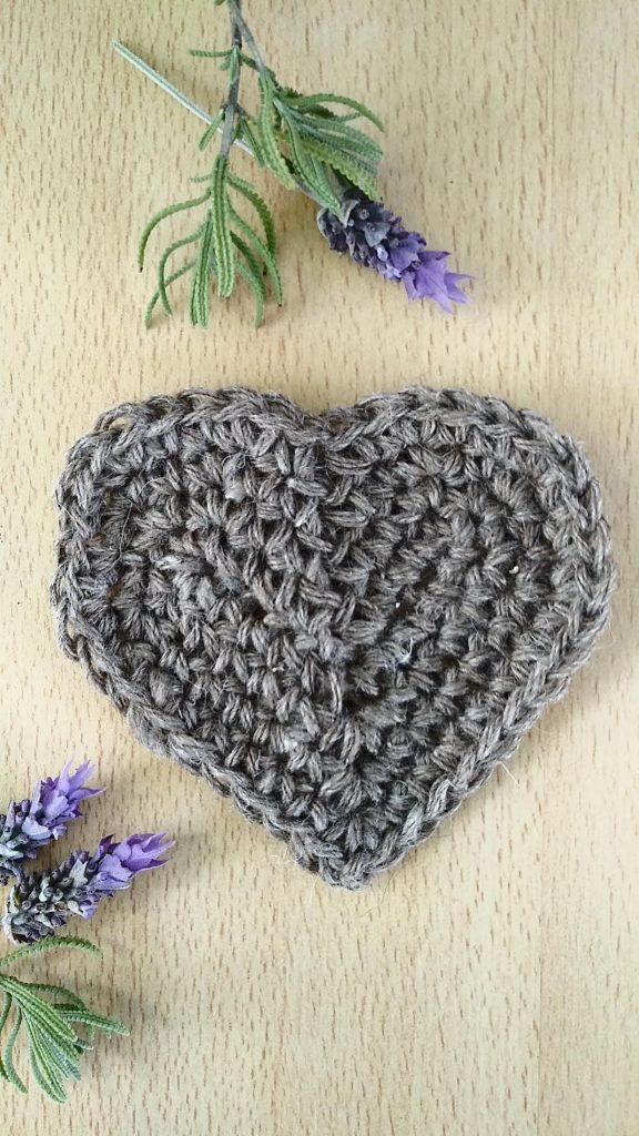 corazon al crochet medio punto